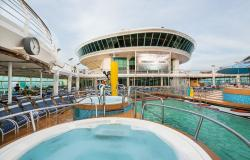 Mariner of the Seas - Royal Caribbean International - bazény na horní palubě lodi