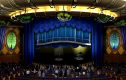 Oasis of the Seas - Royal Caribbean International - lodní pianista